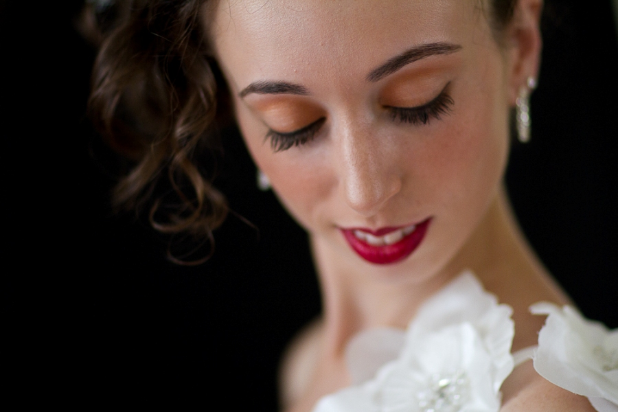 bride portrait red lips