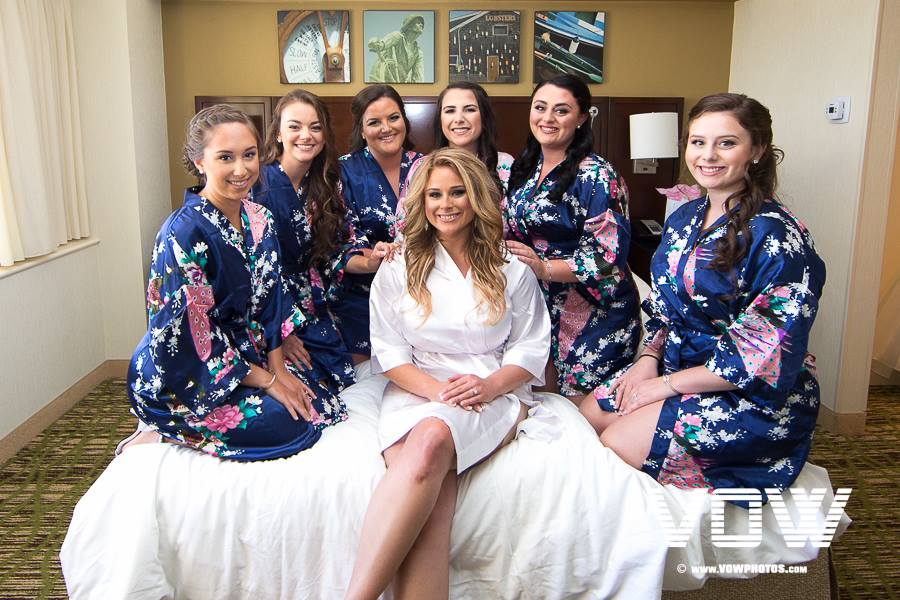 bridesmaids-and-bride-in-robes