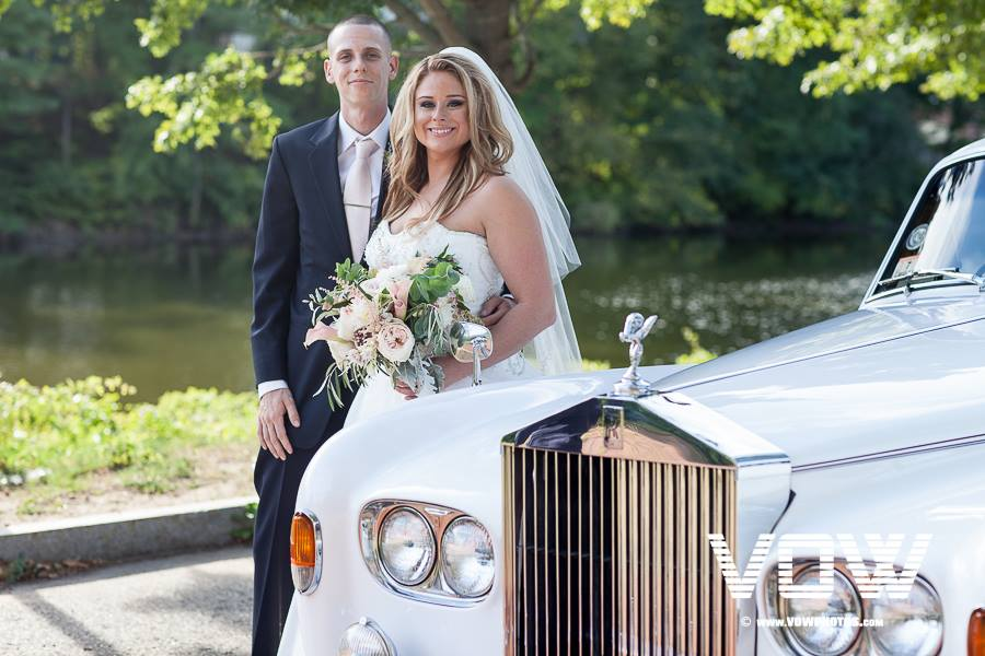 wedding-couple-and-rolls-royce-2