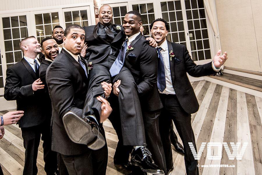 groomsmen-fun-photo